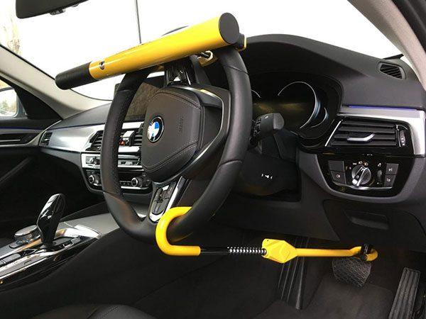 استفاده از قفل فرمان و پدال برای امنیت خودرو