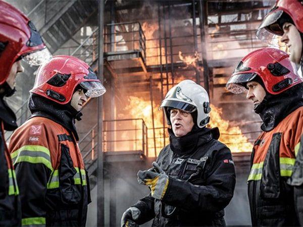 استفاده از ردیاب شخصی برای آتش نشان ها
